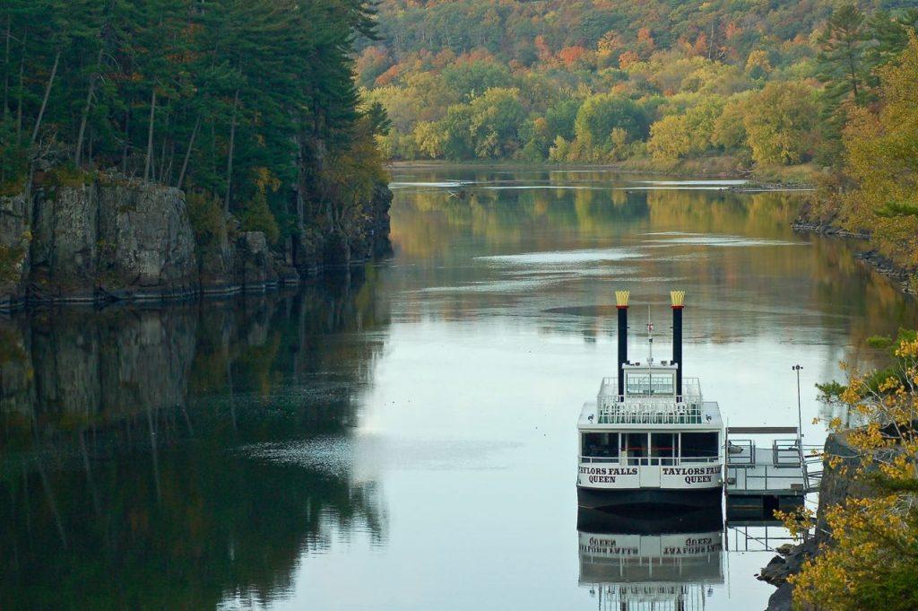 river boat st croix river