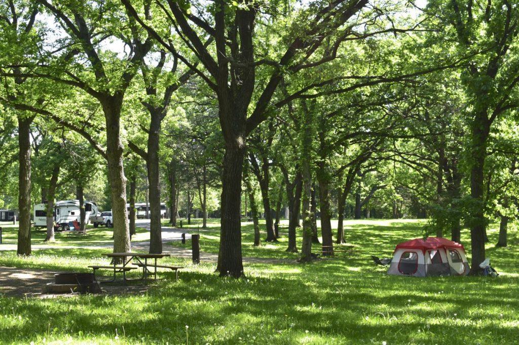 campground, st croix bluffs regional park