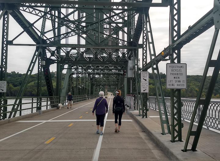 st croix crossing loop trail lift bridge